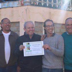 Membros da empresa com certificado no dia do meio ambiente